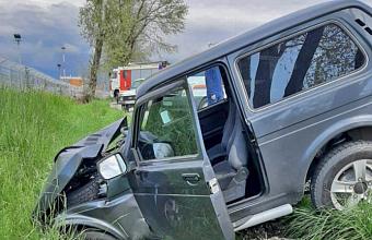 В Сочи спасатели помогли 80-летнему водителю после ДТП