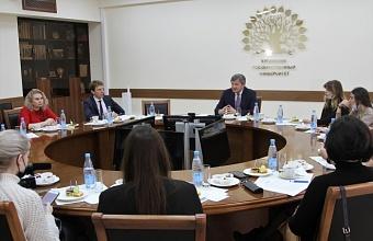 Инновации в научных исследованиях продемонстрировали в рамках пресс-тура в КубГУ