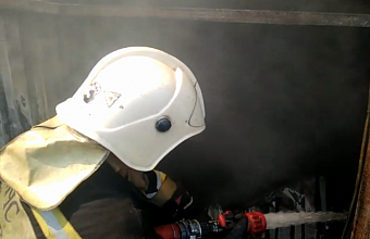 Пожар в четырехэтажном здании на площади 400 кв. м произошел в Сочи