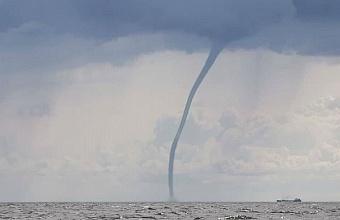 Смерчи над морем прогнозируют сегодня в Сочи