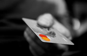 ВТБ запустил доставку кредитных карт