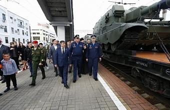 Более 12 тысяч краснодарцев посетили поезд-выставку Минобороны России