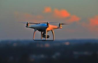 В Анапе протестируют систему доставки дронами спасательных кругов утопающим