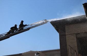 Спасатели локализовали возгорание в строящемся детском саду в Кореновске
