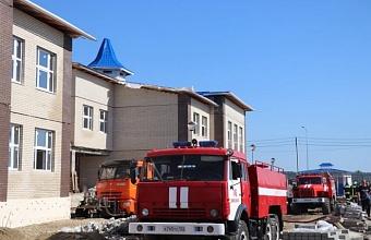 В Кореновске полностью ликвидировали возгорание в здании строящегося детского сада