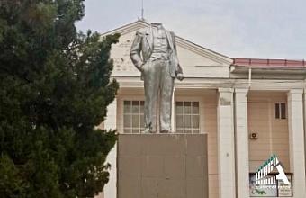 На Кубани неизвестные обезглавили памятник Владимиру Ленину