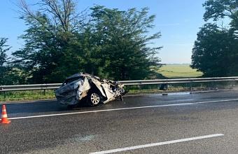 В Усть-Лабинском районе в ДТП погиб водитель иномарки, пять человек пострадали