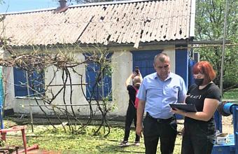 Материальную помощь получили более 260 пострадавших из-за непогоды в Павловском районе