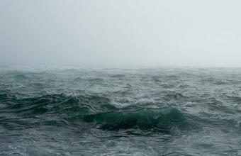На Кубани девочку на надувном матрасе едва не унесло в открытое море