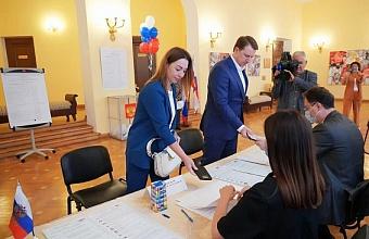 Глава Сочи Алексей Копайгородский и его супруга проголосовали на выборах