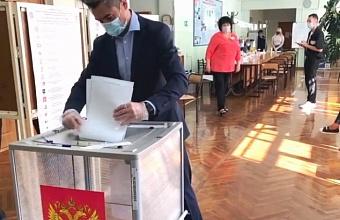 Заместитель губернатора Александр Руппель проголосовал в Краснодаре