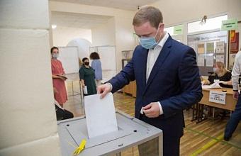 Мэр Анапы проголосовал на выборах