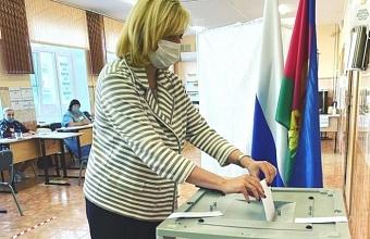 В Краснодаре проголосовали вице-губернатор Анна Минькова и руководитель департамента информационной политики Галина Жукова