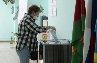 На Кубани в восьми районах активность избирателей превысила 50%