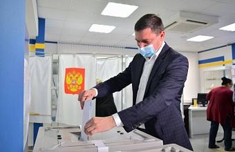 Глава Краснодара Евгений Первышов проголосовал на выборах