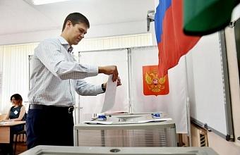 В Новороссийске проголосовал вице-спикер ЗСК Сергей Алтухов