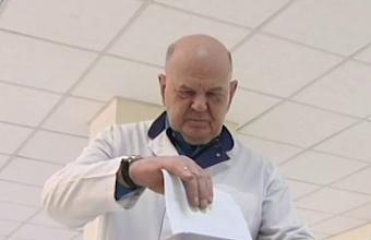 Главврач ККБ № 1 Владимир Порханов проголосовал вместе с пациентами «красной зоны»
