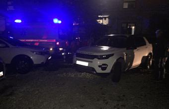 В Сочи внедорожник насмерть сбил 2-летнюю девочку на парковке