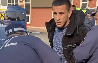 В Краснодаре задержали бойца MMA за неповиновение полиции