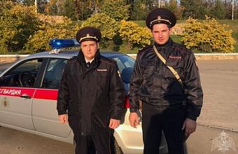 Росгвардейцы в Краснодаре помогли 82-летней женщине после нападения бродячей собаки