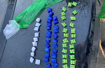 В Краснодаре задержали приезжую наркосбытчицу в момент совершения «закладки»
